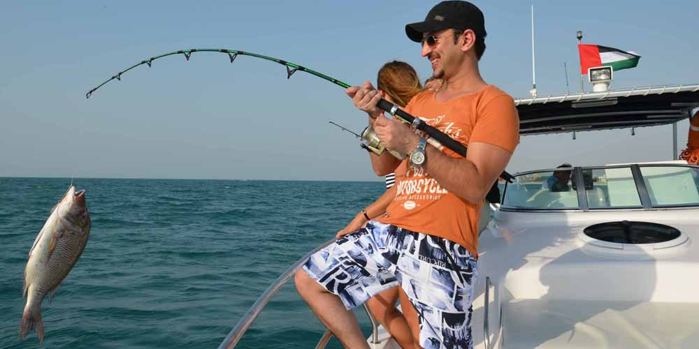 Sports Fishing Yacht in Dubai For 4 Hours