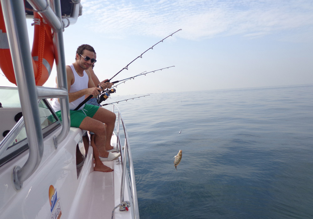 Sharing Fishing Cruise Dubai